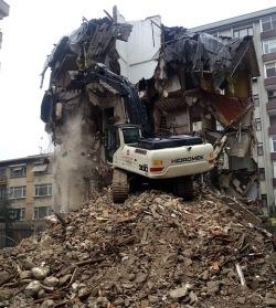 tenants sabotage house